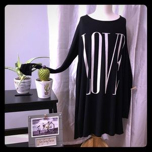 12 Pm By Mon Ami Tops - 💗💗LOVE Graphic Ling sleeve tunic